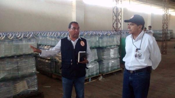 Bidones de agua fueron distribuidos a los damnificados en Casitas.