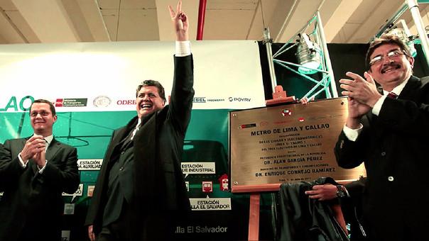 Jorge Barata, Alan García y Enrique Cornejo en la inauguración de la Línea 1 del Metro de Lima. La obra la hizo Odebrecht.