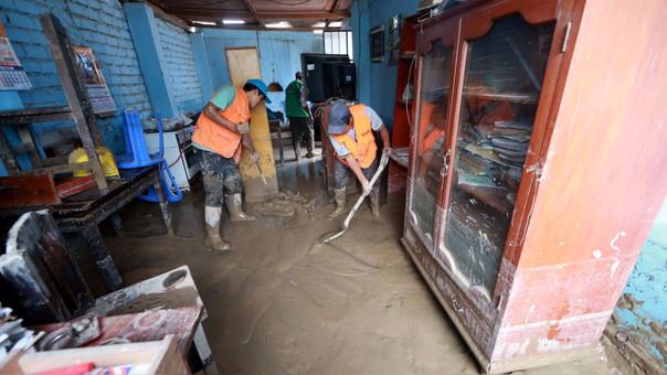 Damnificados por los huaicos e inundaciones en Huachipa.
