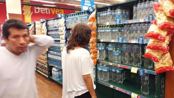 Algunos supermercados especularon con precio del agua