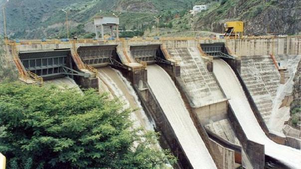 La empresa informó que cuatro centrales de generación hidráulica suspendieron sus servicios, mientras que una hidroeléctrica opera con una sola unidad.