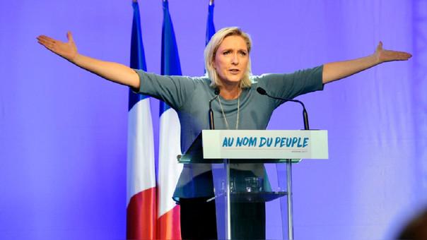 Marine Le Pen amenaza con