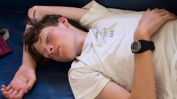 El sedentarismo genera huesos débiles en adolescentes.