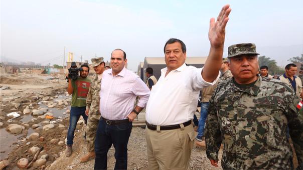 El ministro Jorge Nieto coordina las acciones de las Fuerzas Armadas en las zonas de emergencia.