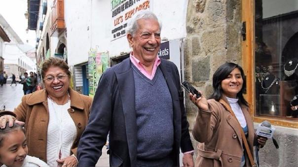 Premio Nobel Mario Vargas Llosa afirma que se casará en Cusco