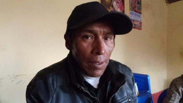 Benito Ángel Machaca pide justicia por la muerte de su esposa para su esposa.
