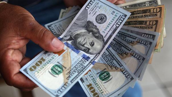 Dólar subió ligeramente a S/ 3.249 este jueves.