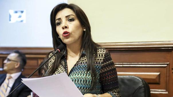 Resultado de imagen para congresista FUJIMORISTA ARAMAYO acusada de extorsionador