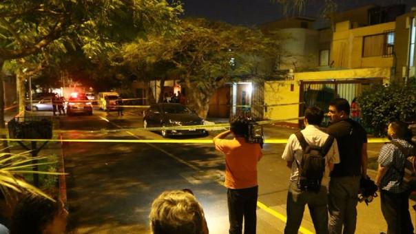 Esta noche se registró una balacera en el distrito de Surco (Lima), producto de un asalto.