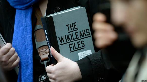 Mike Pompeo, calificó el jueves a WikiLeaks como un