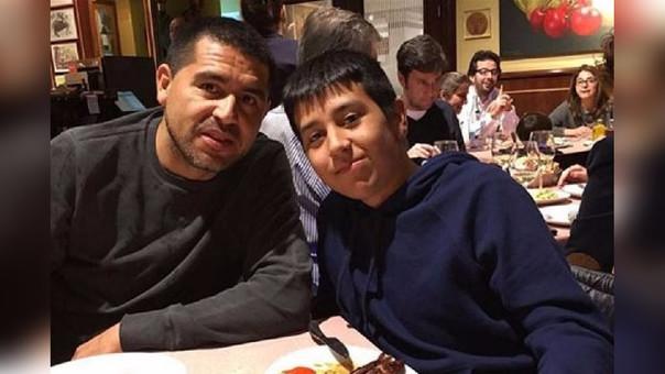 Juan Román Riquelme en una cena junto a Agustín.