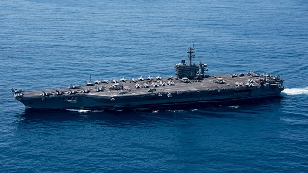 El portaaviones Carl Vinsson en el Océano Índico el pasado 15 de abril.