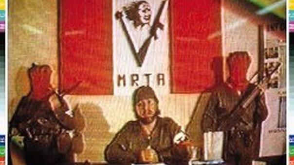 Los miembros del MRTA durante la toma de rehenes.