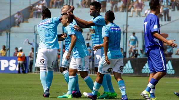 Cristal cae con polémico penal ante San Martín — VÍDEO