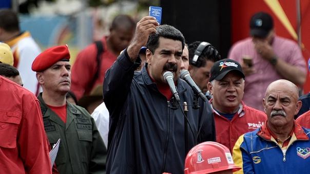 Maduro pide apoyo a unas vacas para la constituyente