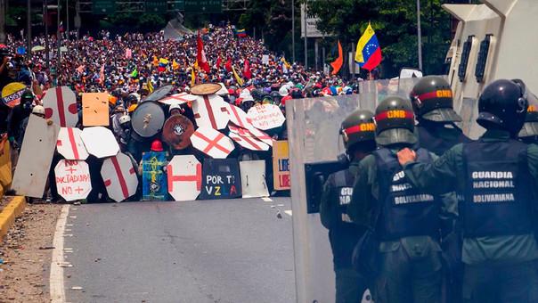Las protestas contra el régimen de Maduro han sido constantemente reprimidas por la Policía.