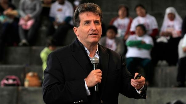 Pablo de la Flor dirigirá la reconstrucción del país.