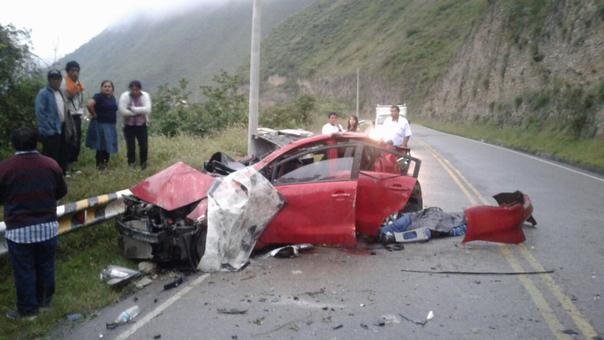 Equipo de Bomberos de Cajamarca acudieron en apoyo de los accidentados