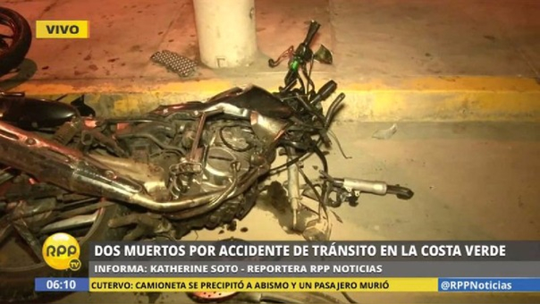 Así quedó la moto donde viajaban las víctimas.