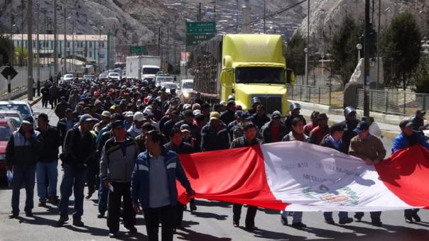 Marcha por reactivacion de empresa metalùrgica