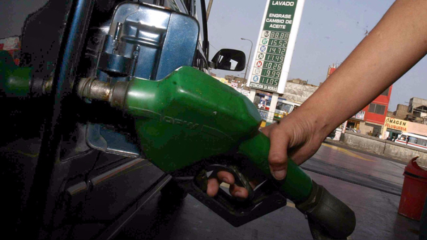 Según Opecu precios de ambas refinerías no solo no están en armonía con la baja internacional de gasoholes y gasolinas de hasta S/ 0.34 por galón, sino que redujeron con exactitud a S/ 0.20, incluido impuestos.