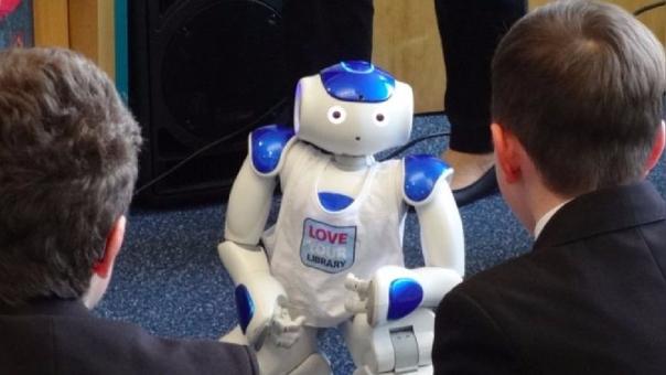 El robot elaborado por el MIT permite formular preguntas de comprensión lectora.
