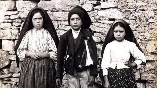 Lucia, Francisco y Jacinta, los pastorcitos de Fátima