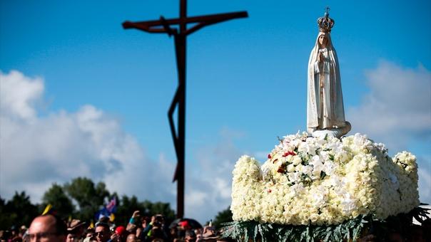 La Virgen de Fátima reveló tres secretos a los pastorcitos portugueses a los que se les apareció entre mayo y octubre de 2017. Para algunos, sin embargo, existe un cuarto que aún no se ha dado a conocer.
