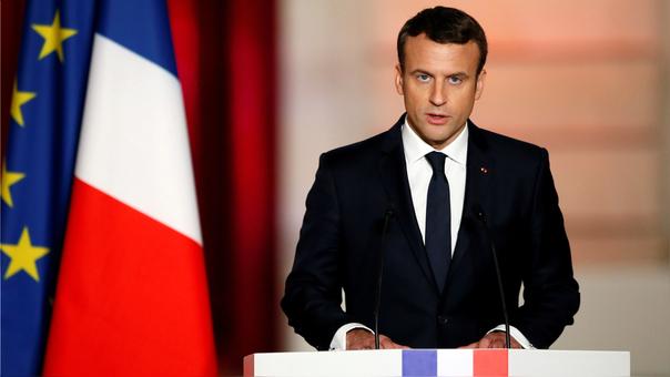Emmanuel Macron asume presidencia de Francia; promete devolver confianza a la nación