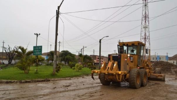 El gobierno ha destinado maquinaria a las zonas afectadas y la reconstrucción está en marcha.