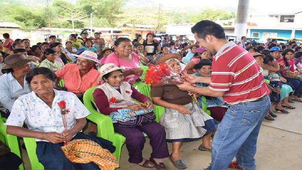 Homenaje a las madres en la Municipalidad de Coviriali