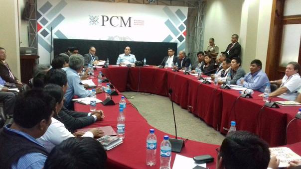 El Premier Fernando Zavala recibió en Lima a comitiva de la región Moquegua.