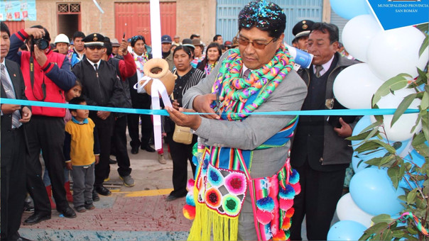 Alcalde provincial de San Román, Oswaldo Marín, podría ser suspendido.
