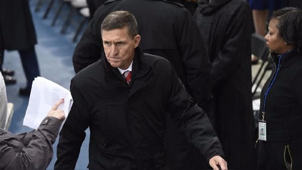 El asesor de Seguridad del Gobierno de Trump, Michael Flynn, renunció en febrero tras admitir que habló por teléfono con el embajador ruso sobre las posibles sanciones que recibiría el país por el caso de los ciberataques.