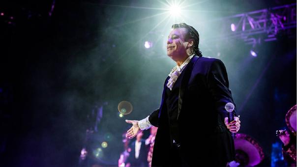 Hijo del cantante demanda a Telemundo y Univisión por difamación — Juan Gabriel