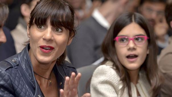 Christina Guardiola esposa del técnico español junto a su hija Maria (Archivo).