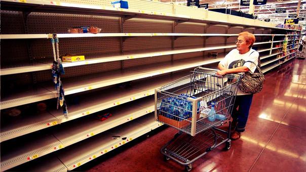 Una escena común en los supermercados de Venezuela que es negada por el Gobierno de Maduro.