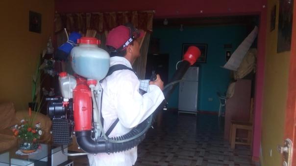 Continúa la fumigación contra el dengue