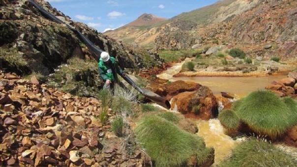 Minera Aruntani está en conflicto con pobladores de la cuenca Llallimayo.