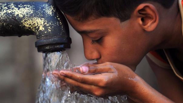 Un estudi demuestra que el agua no es insípida, como se ha creído por miles de años.