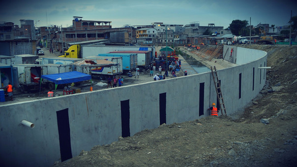 Perú pide explicaciones por muro en frontera con Ecuador