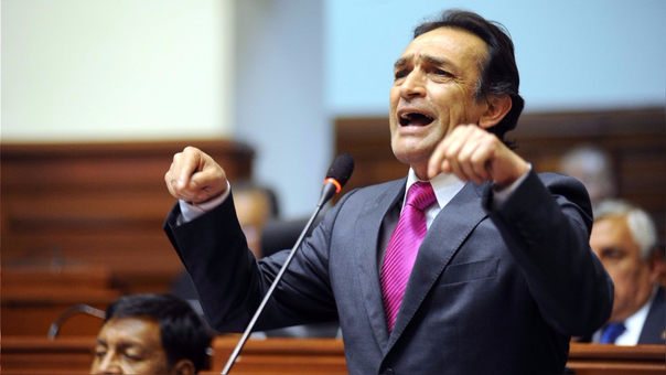 Becerril acusado de injerencia en caso de la azucarera Pucalá