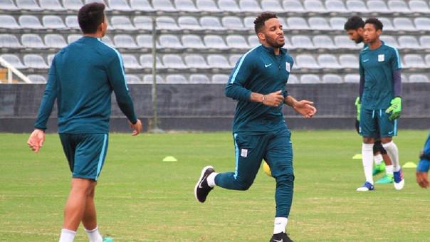 Jefferson Farfán realizó entrenamientos con el plantel 'grone — Alianza Lima