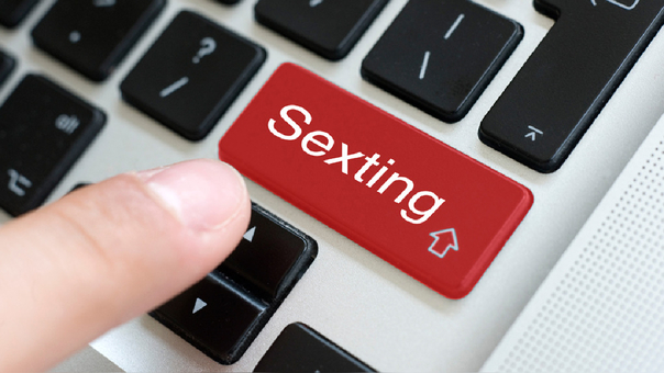 Los Riesgos Del Internet En La Sexualidad De Los Niños Y