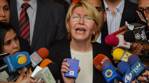 Oposición denuncia penalmente a Maduro ya jueces ante la Fiscalía