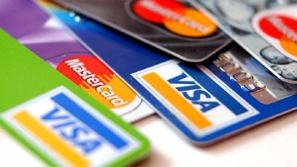 Las cooperativas entregan solo tarjetas de débito a través de convenios con los bancos.