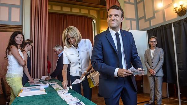 Emmanuel Macron podría tener el poder absoluto si su partido se impone la próxima semana.