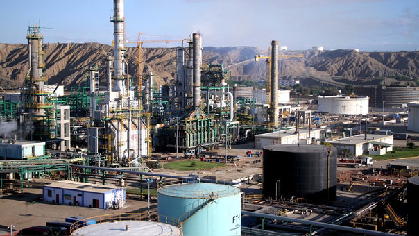 El presupuesto de Talara pasó de US$ 1,335 millones a US$ 4,155 millones, aunque Petroperú ha actualizado la cifra y ha proyectado que la obra costaría US$ 5,400 millones.