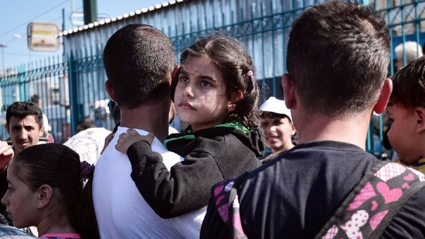 UE inicia proceso contra tres países por negarse a recibir refugiados