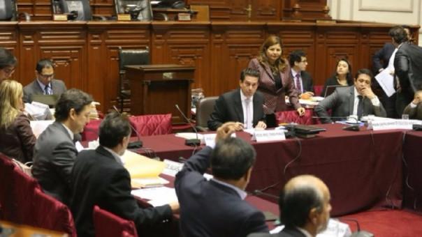 Comisión de Constitución aprueba dictamen que propone modificar cronograma electoral.